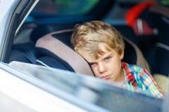 Un enfant meurt par année après avoir été oublié dans un véhicule