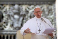 Le Vatican décrète l'obligation de signaler les crimes sexuels dans l'Église