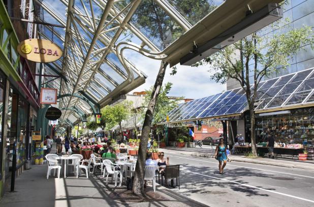 La rénovation de la Plaza Saint-Hubert reportée à l'automne