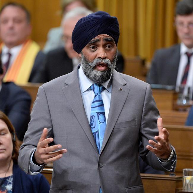 Sajjan: Trudeau tente de calmer les critiques