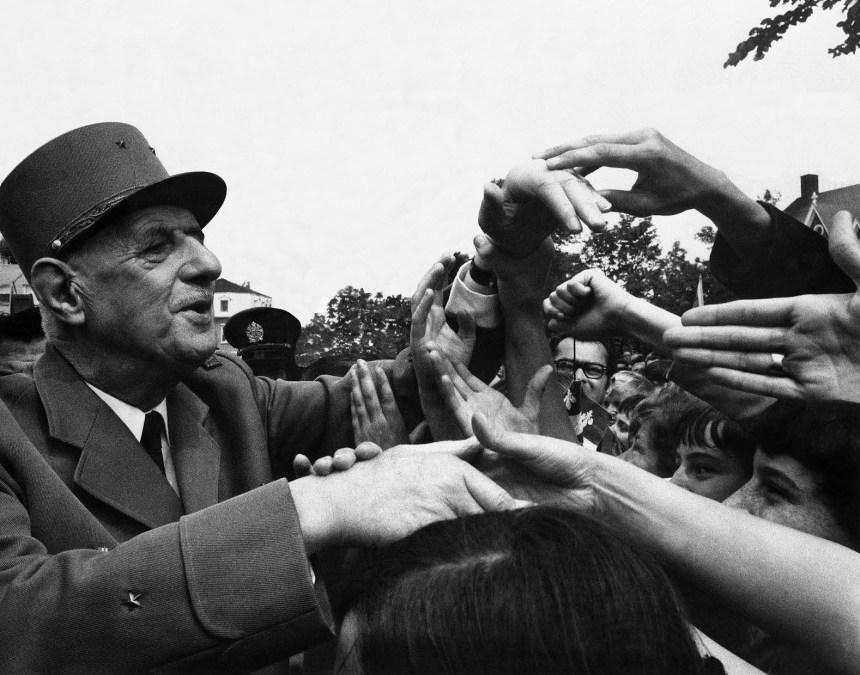 50 ans plus tard, de Gaulle n'ira pas au balcon