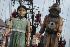 Marche de marionnettes géantes pour le 375e de Montréal