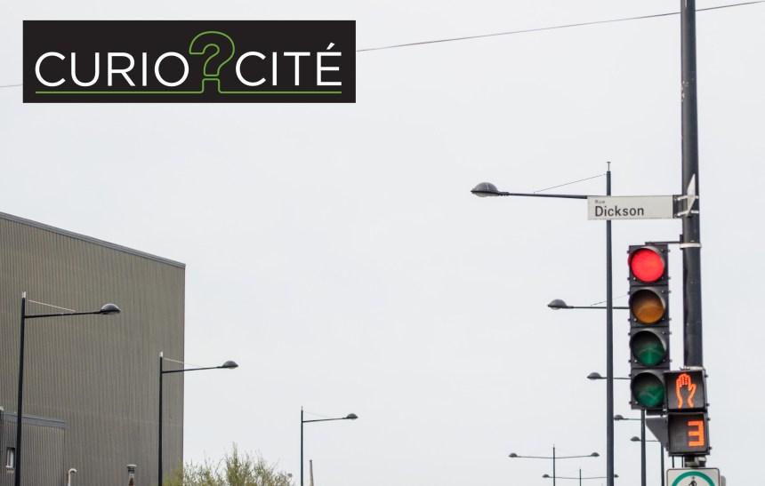 [CurioCité] À quoi servent les lumières bleues au sommet des lampadaires sur la rue Notre-Dame Est?
