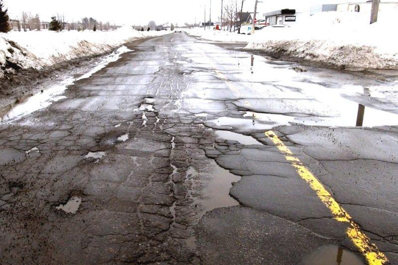 Compétition féroce pour les pires routes du Québec