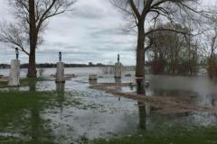 Crue des eaux: fermeture de rue et débordements dans l'est