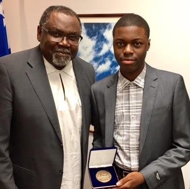 Deux nouveaux récipiendaires de la Médaille de l'Assemblée nationale