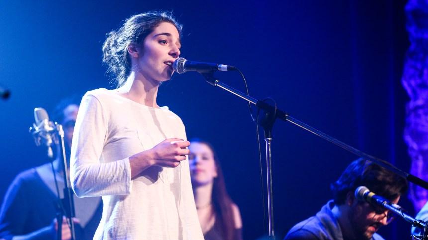 Une chanteuse de Pointe-Claire à l'École nationale de la chanson