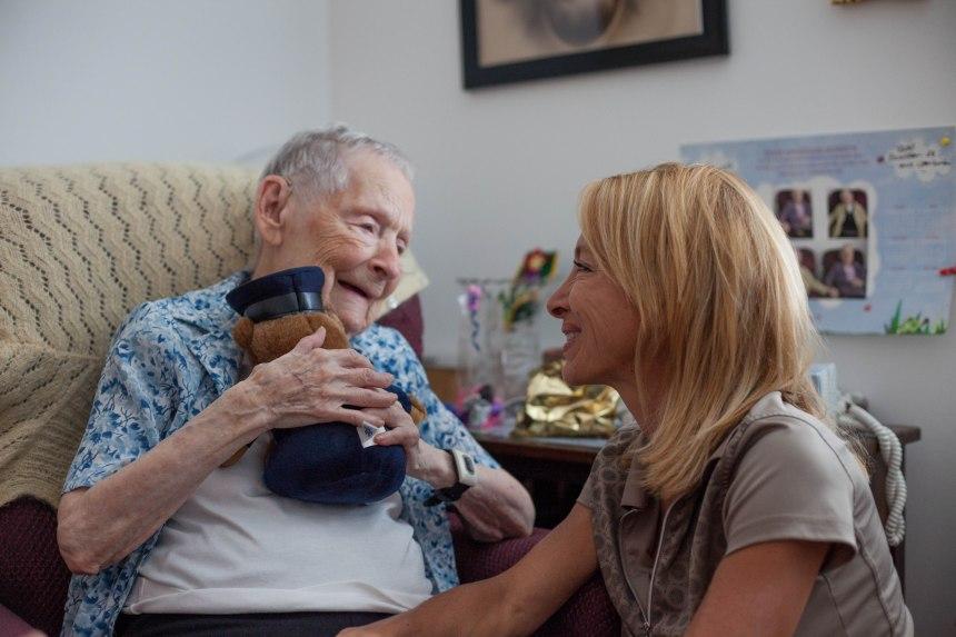 Georgette Gaudreau: à la tête d'une marche à 106 ans