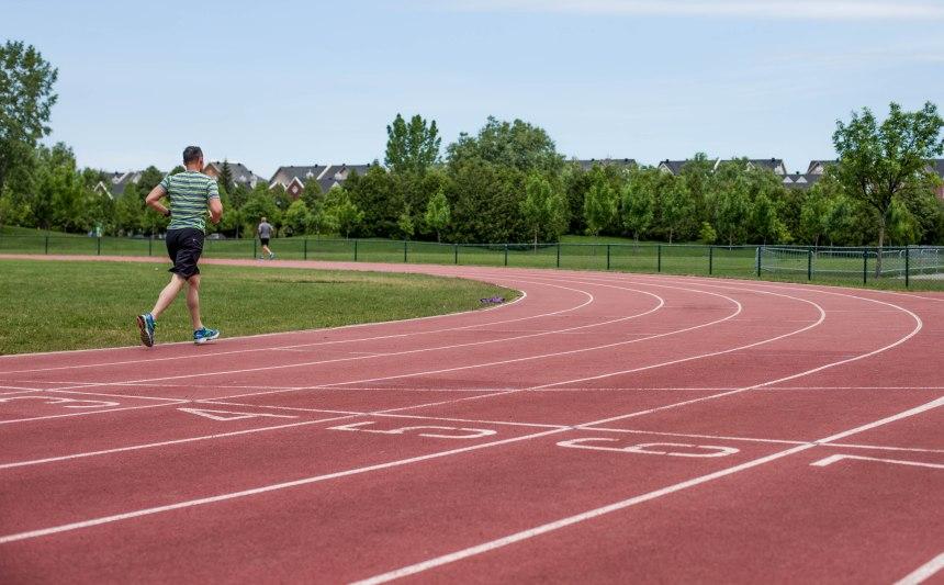 La piste d'athlétisme de Saint-Laurent rénovée