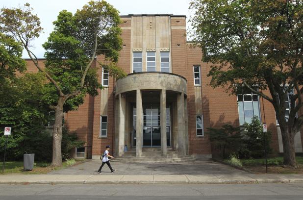 École secondaire Mont-Royal: le SPVM ouvre une enquête concernant la drogue