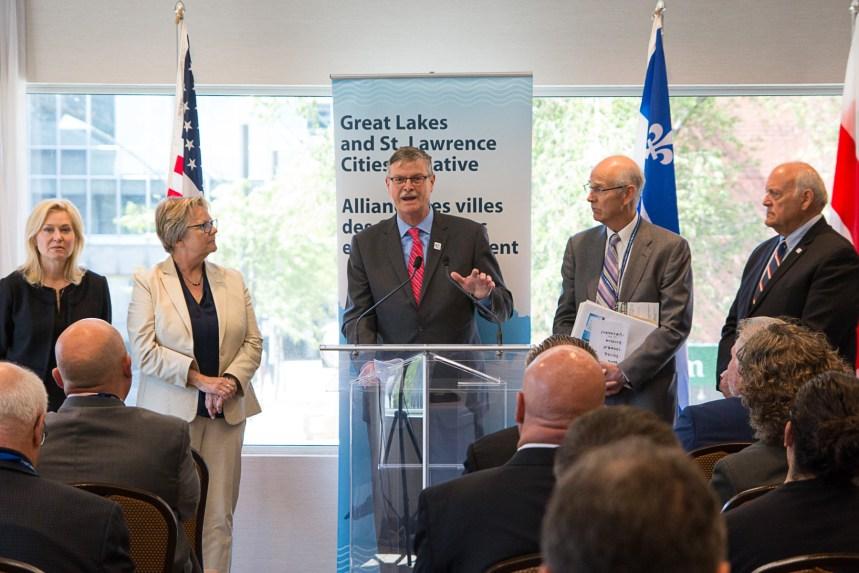 Les maires des Grands Lacs s'inquiètent pour leur eau potable