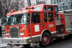 Deux édifices ravagés par le feu à Montréal