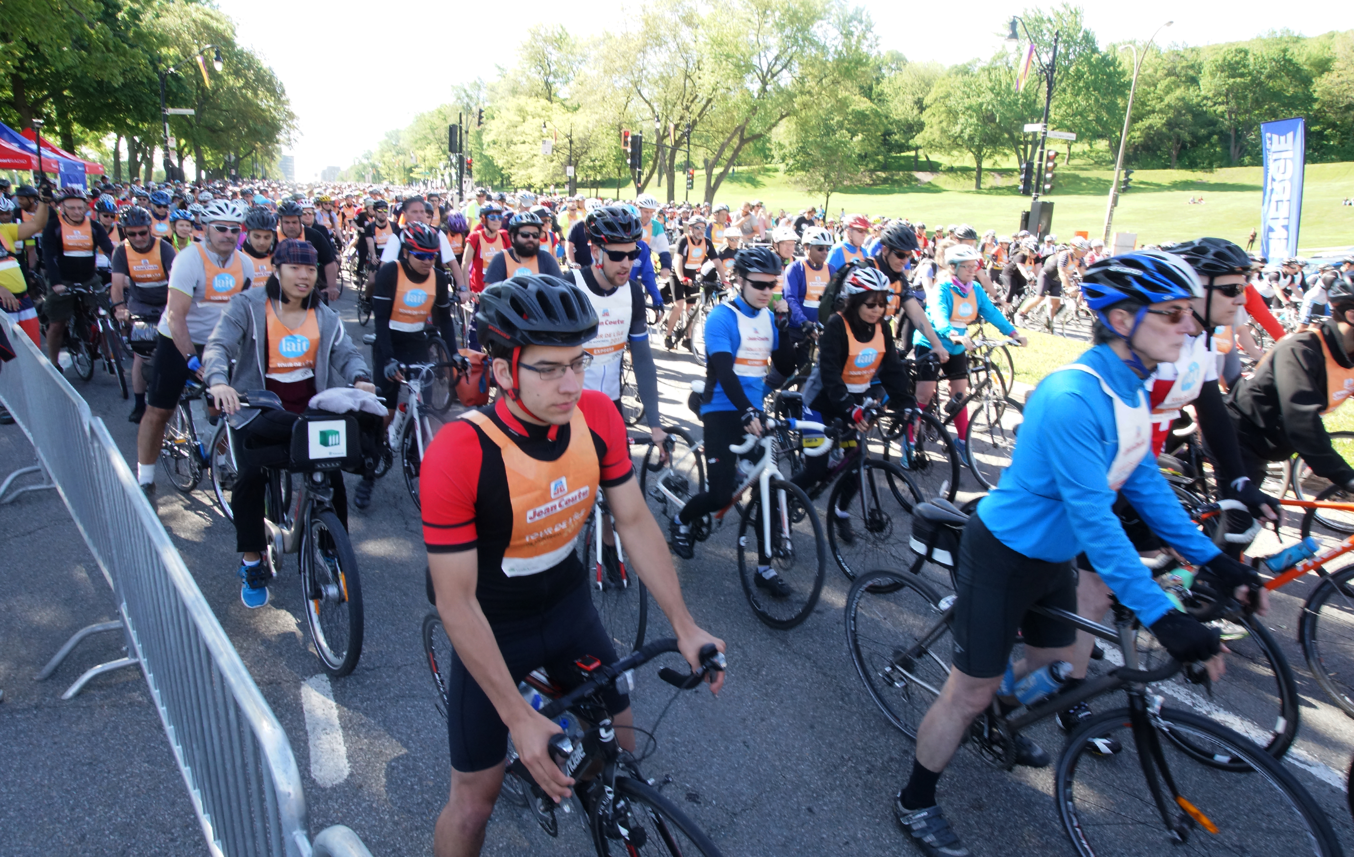 Garçons /& Filles Blanc Couche De Base Cyclisme Sports Shorts Âge 6 7 8 9 10 11 12 13 Neuf
