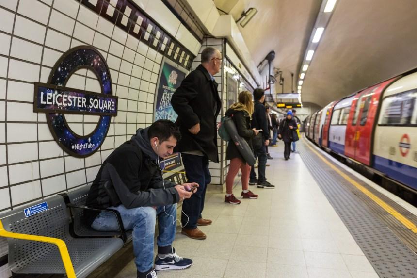 Métro de Londres: «Bonjour à tous» remplace «Mesdames et messieurs»