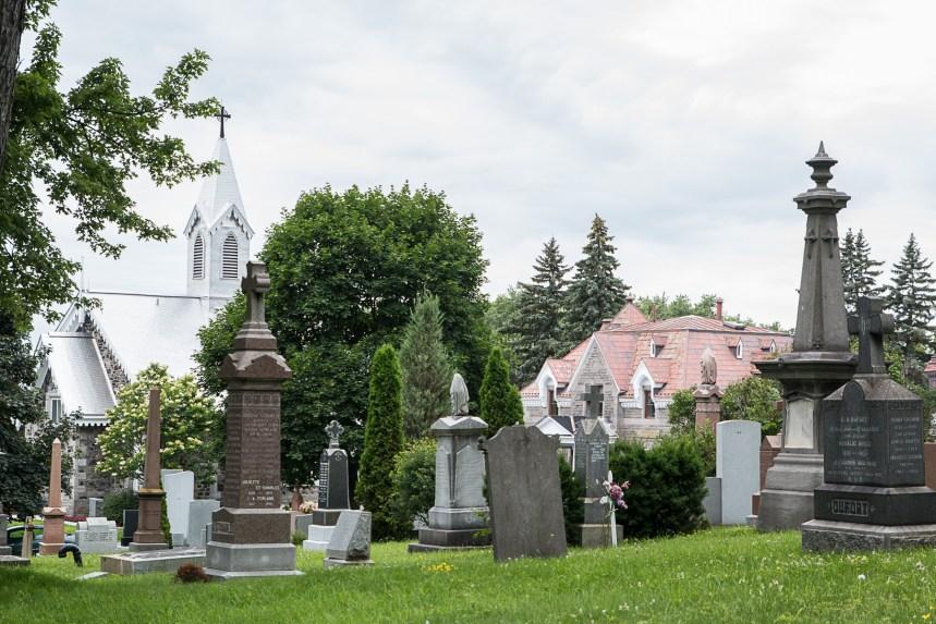 Un cimetière témoin de l'histoire de Montréal