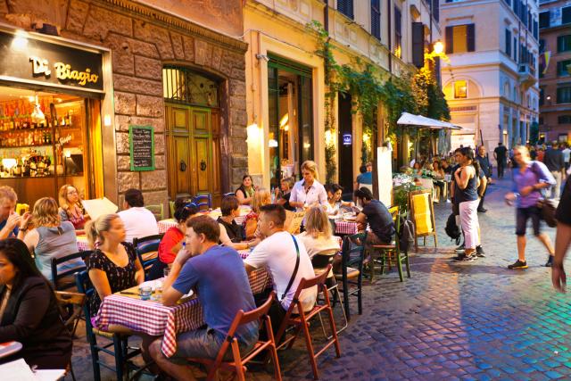 Rome interdit la vente et la consommation d'alcool la nuit
