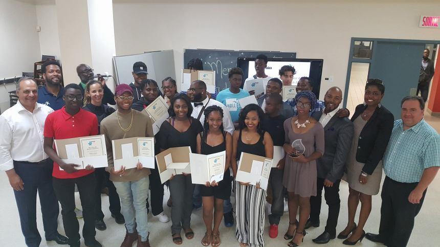 De jeunes leaders récompensés pour leurs efforts