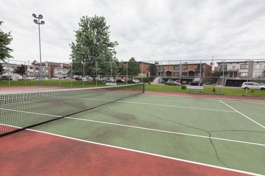 Reconstruction complète des terrains de tennis du parc Ouellette