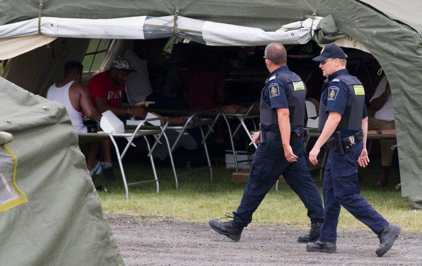 Demandeurs d'asile: en 8 mois, Québec a dépensé plus de 20M$