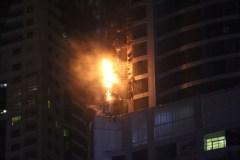 [VIDÉO] Une tour de 86 étages ravagée par les flammes à Dubaï