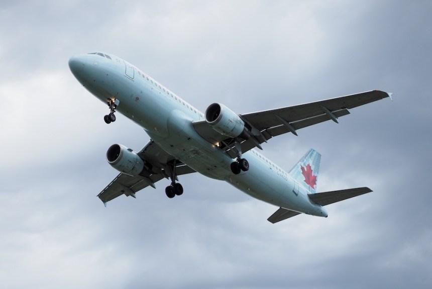 Un avion d'Air Canada se trompe de voie d'atterrissage à Tokyo