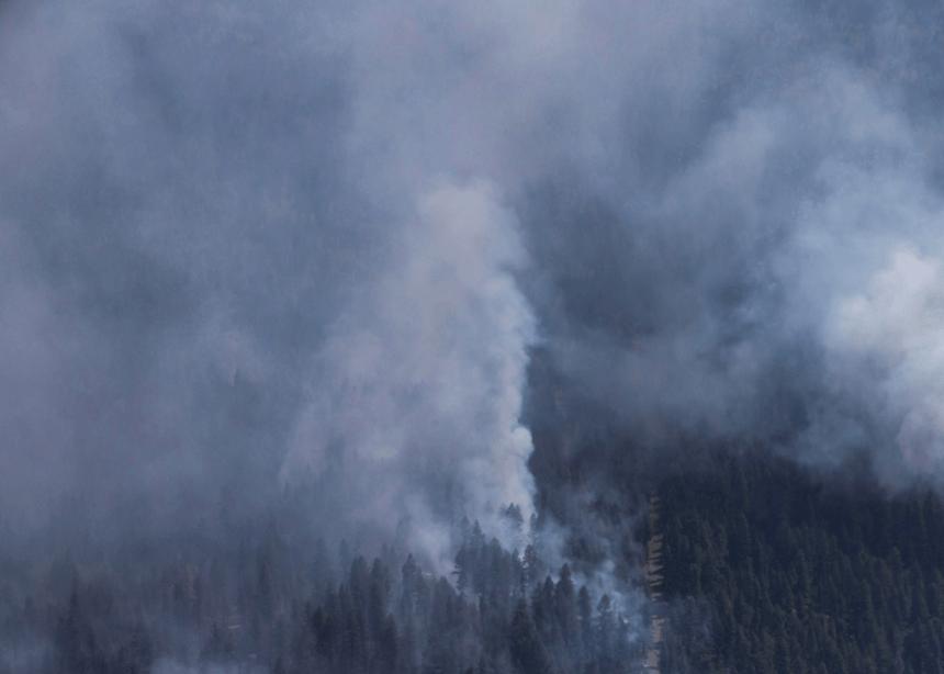 Les feux de forêt perdurent en Ontario
