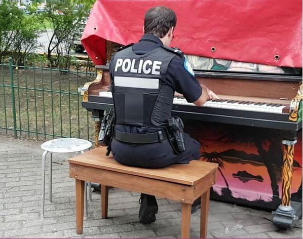 Le policier musicien