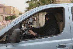Le Parlement européen condamne la tutelle masculine sur les femmes en Arabie Saoudite