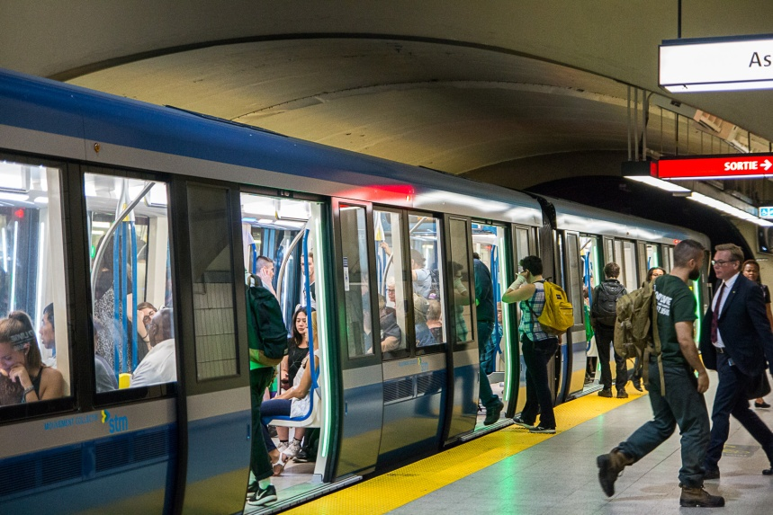 153 voitures Azur additionnelles: Ottawa ouvre sa bourse