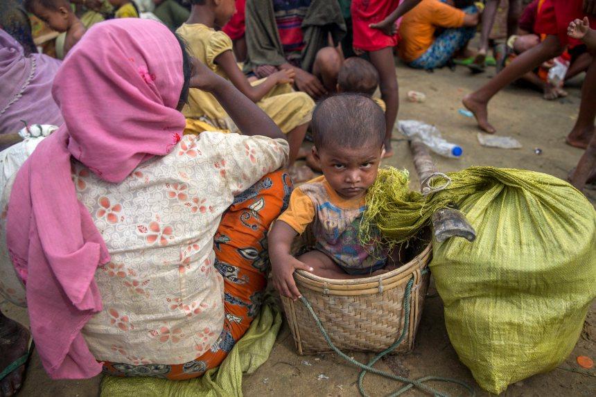 Les Rohingyas sont victimes d'un génocide, dit la Chambre des communes