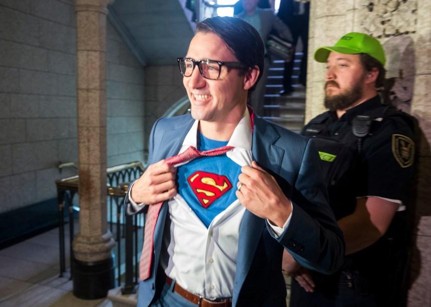 Justin Trudeau s'est déguisé en Superman… au parlement