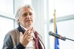 Gilbert Rozon se présente à la police de Montréal