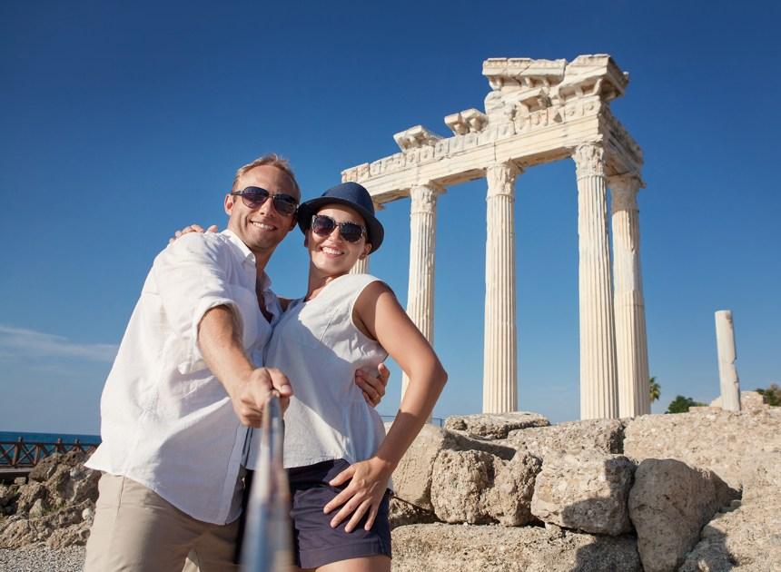 La perspective des likes sur Facebook et Instagram influence-t-elle nos choix touristiques?