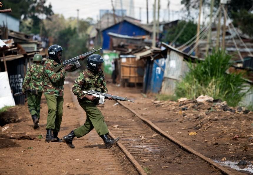 Le Kenya tient sa deuxième élection présidentielle malgré de fortes tensions