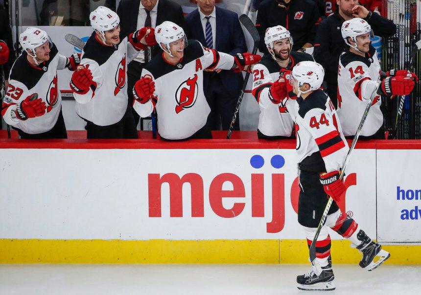 Les Devils perdent Lovejoy et Stafford