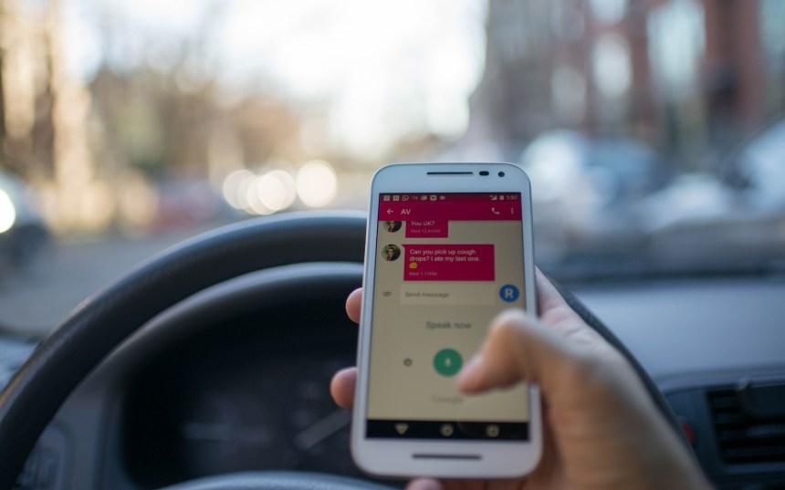 La SAAQ lance une nouvelle campagne contre le cellulaire au volant