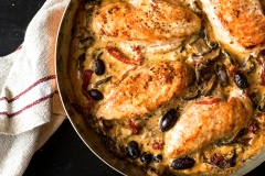 Une délicieuse casserole de poulet sauce à la crème sans crème!