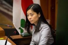 La présidente du conseil municipal Cathy Wong siégera comme indépendante