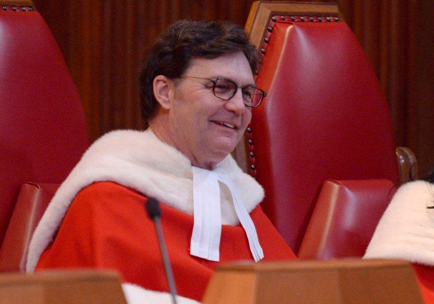 Cour suprême: crise évitée