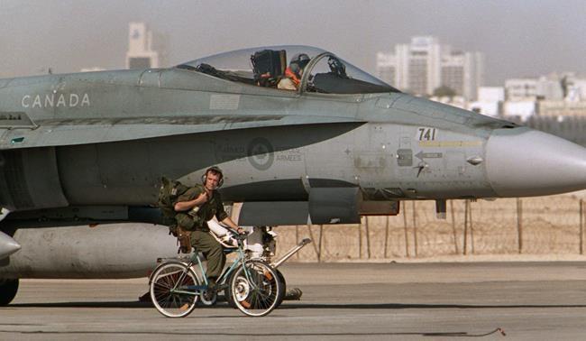 Remplacement des CF-18: Ottawa ajoute une exigence