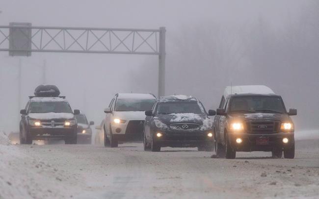 Québec pourrait devancer la date d'installation des pneus d'hiver