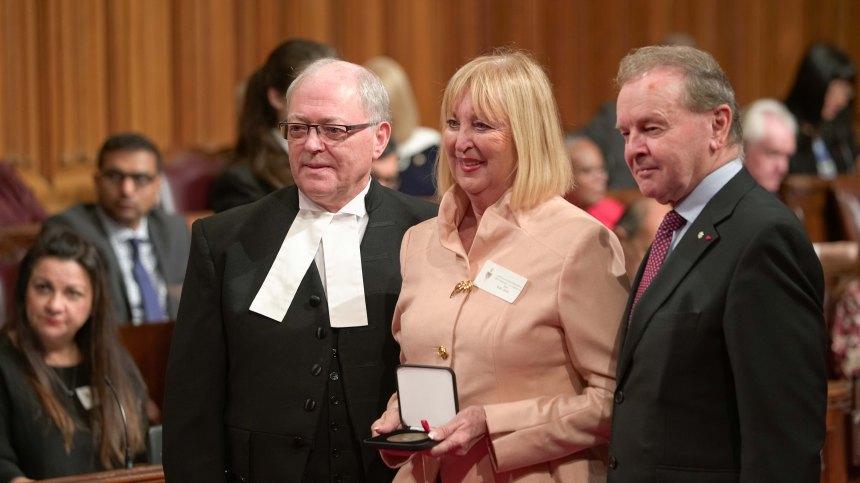 Médaille du Sénat pour Lisette Jean
