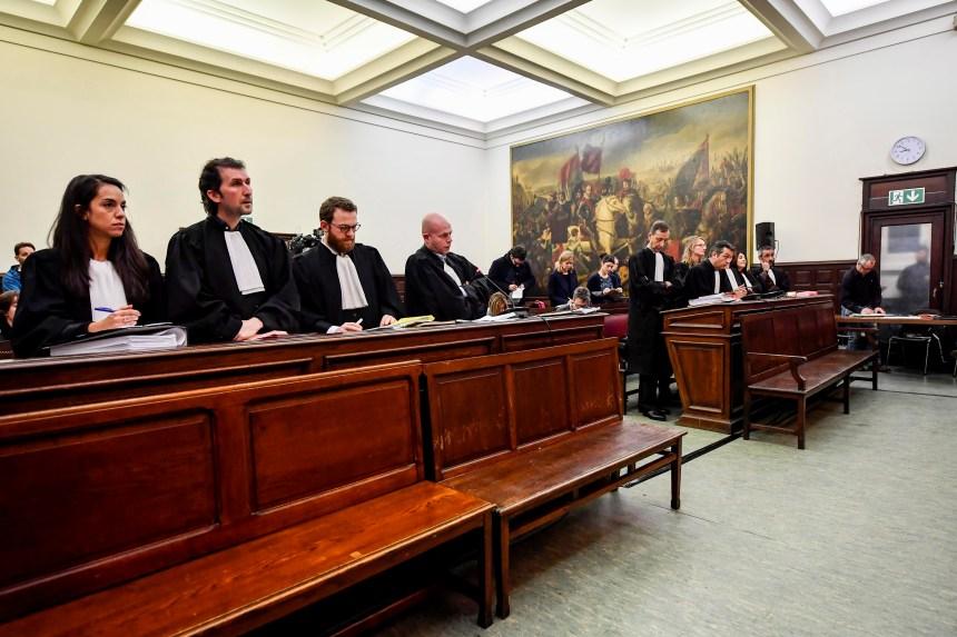 Le procès d'Abdeslam est reporté à plus tard