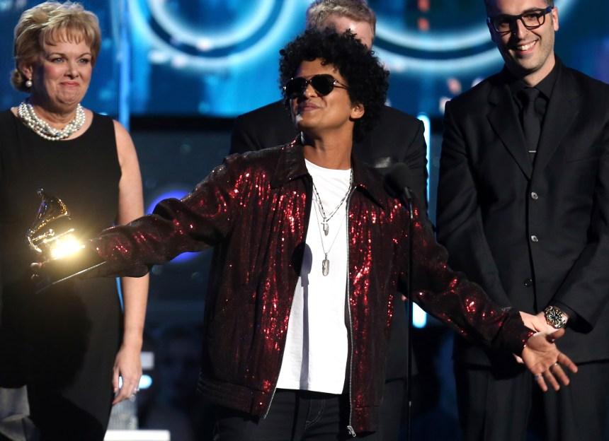 Grammy: Bruno Mars coiffe Kendrick Lamar