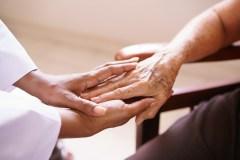 Sept formations pour travailler auprès des aînés