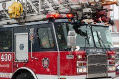 Un camion détruit par un incendie à Montréal