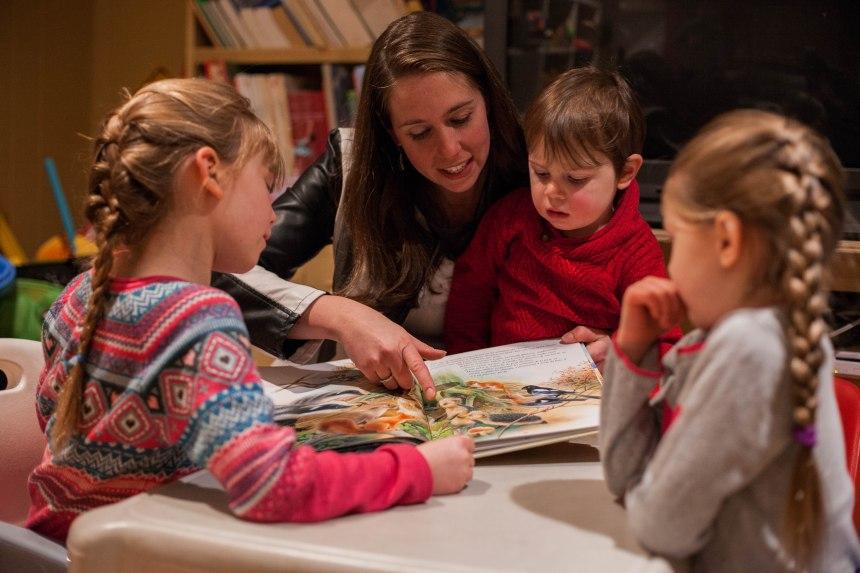 Des parents qui font l'école à la maison veulent échapper aux nouvelles règles