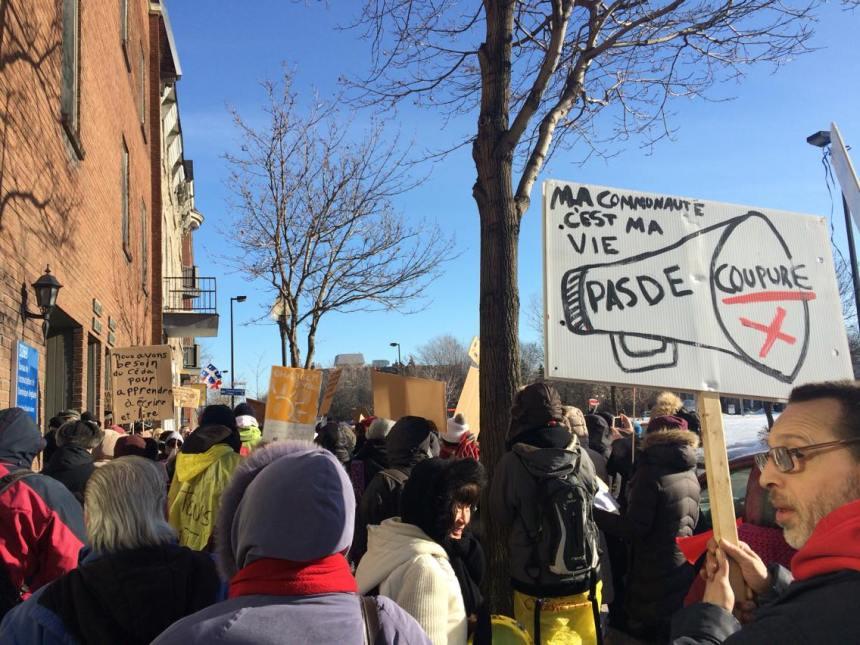 Manifestation pour aider les centres d'éducation populaire