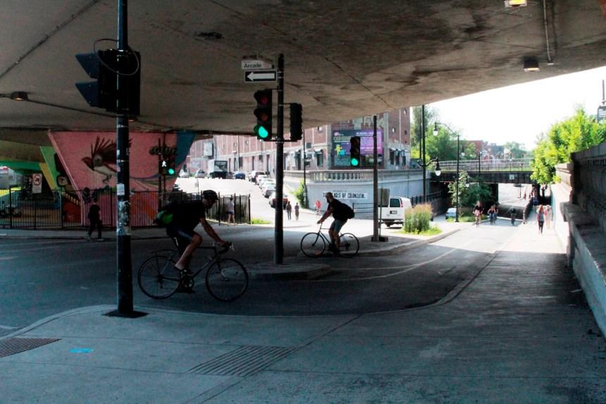 Une piste cyclable très achalandée