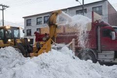Une cinquième opération de chargement de la neige samedi à Montréal
